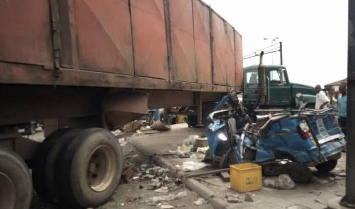 Truck crushes two to death in Delta