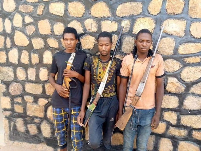 Police arrest 4 suspected kidnappers in Adamawa, recover threat letters, guns