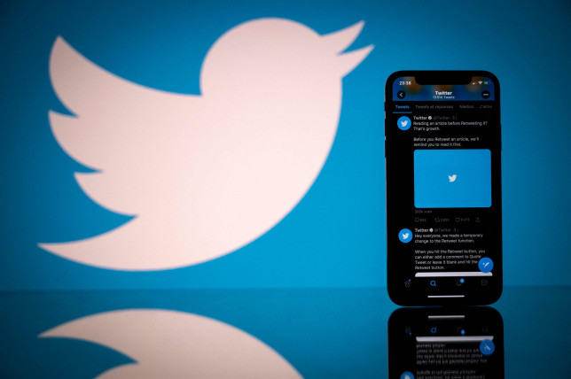 Twitter down for thousands as users complain they can't log in