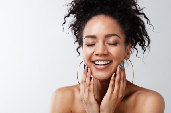 5 foods to avoid for a clear and glowing skin