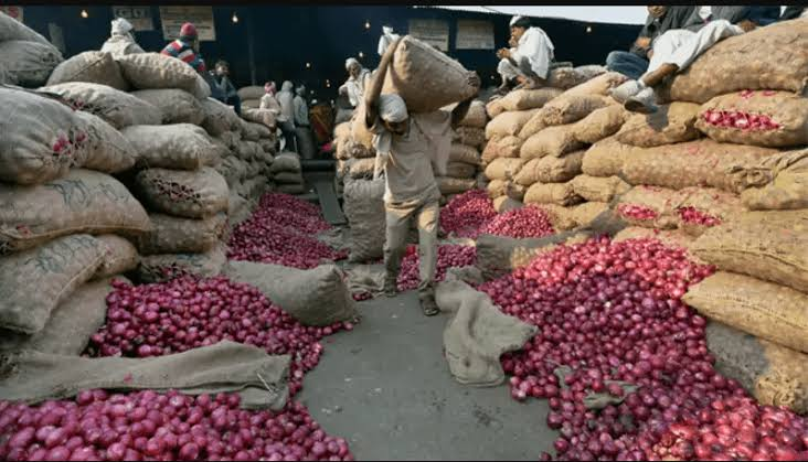 Onion traders threaten to cut supply to Southern Nigeria by Monday