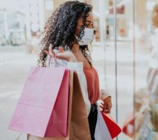 7 financial mistakes every woman should avoid