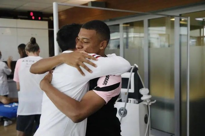 PHOTOS: Mbappe Meets Messi For The First Time In Training