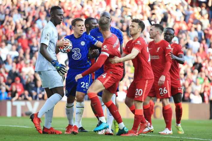 Jurgen Klopp confirms van Dijk status for Leeds clash after injury scare/Latest on Keita & Firmino