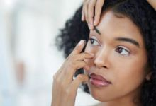 7 side effects of contact lenses you probably don't know