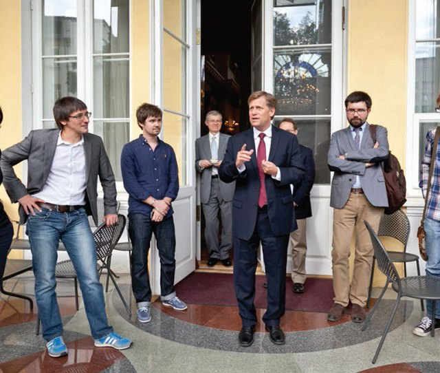Ambassador Michael Mcfaul Center Talks With Young Russian Social Media Leaders And Bloggers On The Patio During A June  Session At His Moscow