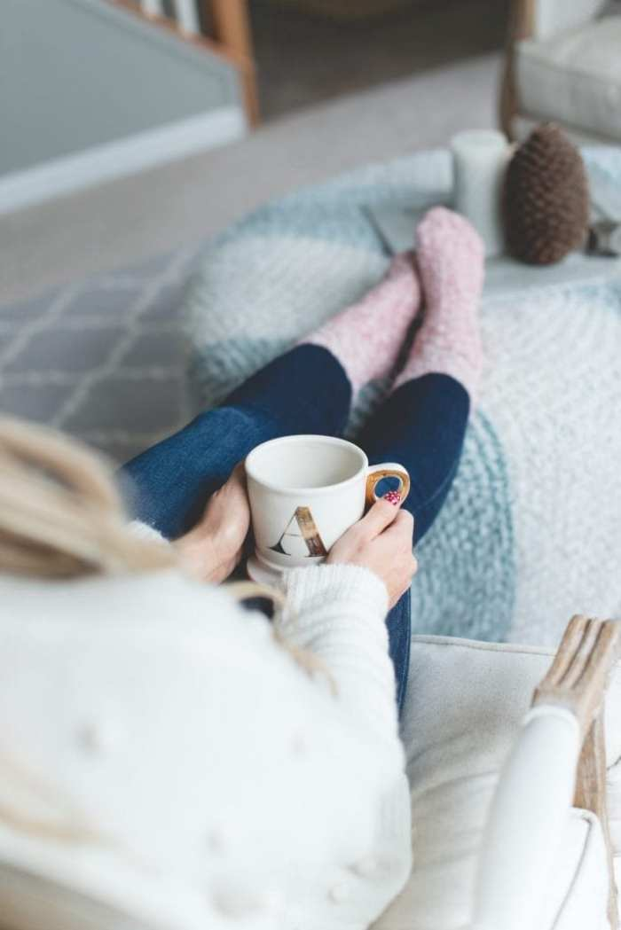 Cozy-Home-Madewell Sweater-Snow Globe-Blogger