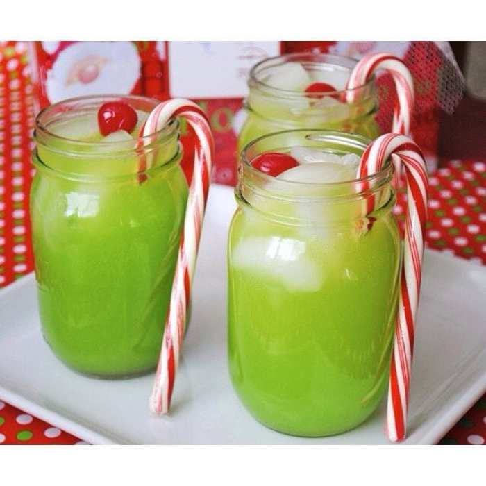 Grinch Cocktail-Holiday-Cocktails-Recipe