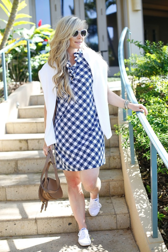 gingham dress-Maui-Vacation-Travel-Hawaii-Poshture-Boutique-Blogger-Chloe Bag-1