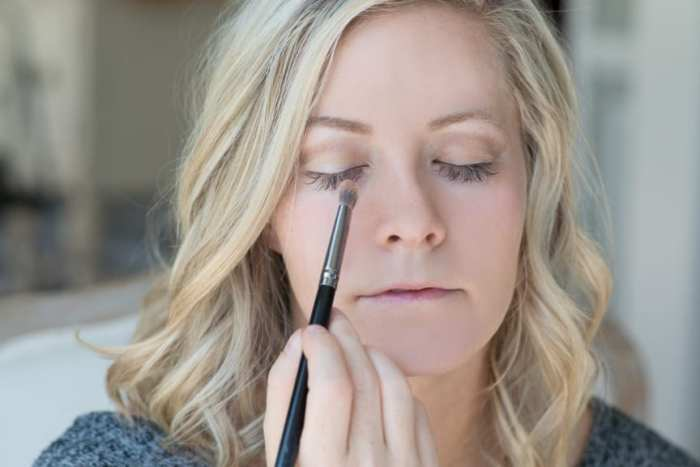 Ashley Pletcher gives us her fall make up tutorial with Too Faced Neutrals and Maybelline Nudes!