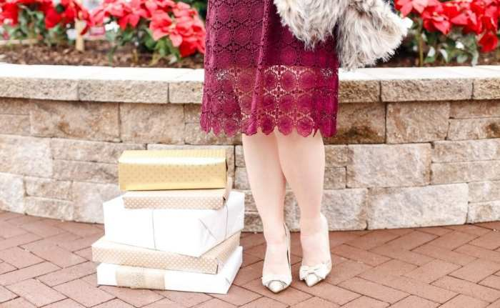 holiday-glam-chicwish-dress-burgundy-dress-faux-fur-1-2