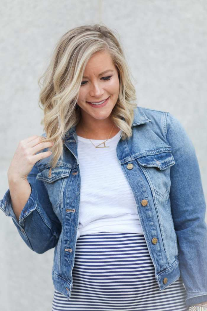 Memorial Day Sales - Maternity Fashion - Style the Bump - Anthropologie Necklace - Fashion Blogger