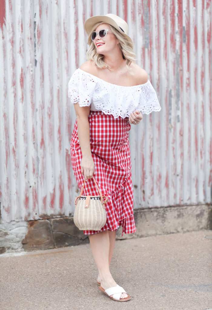How to Wear Summer Gingham and Basket Bags