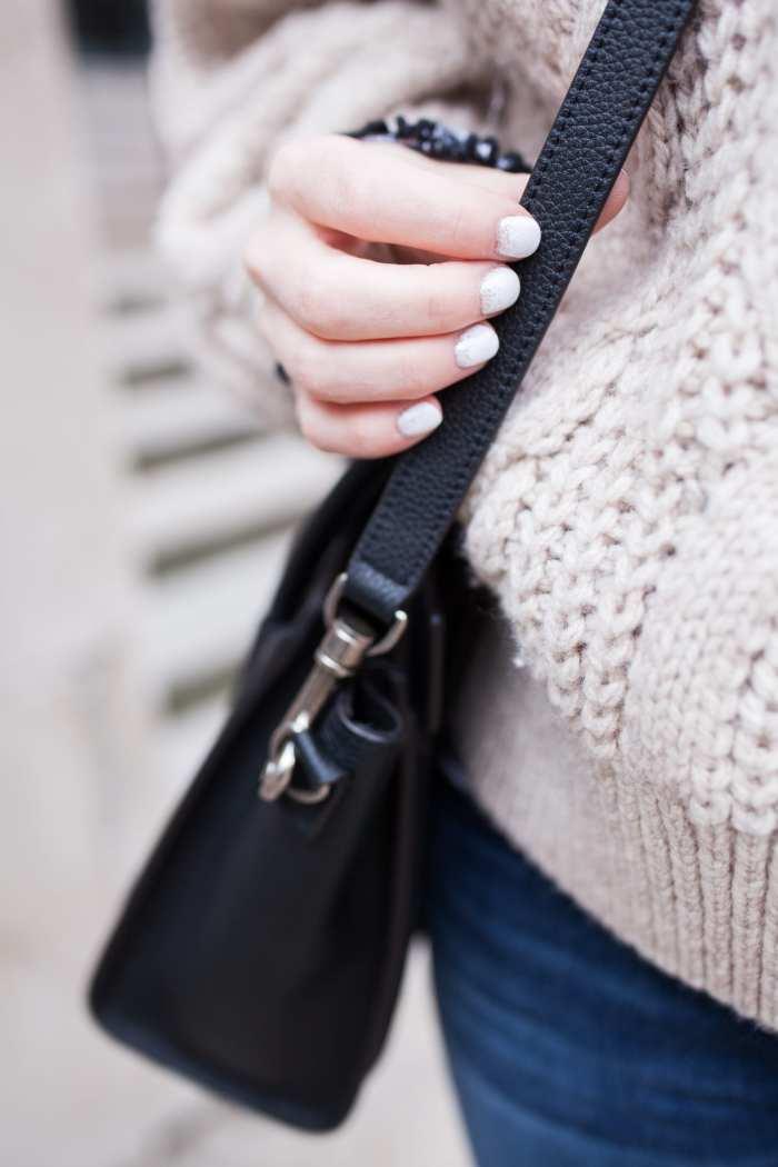 Nail Art- Favorite Sweater