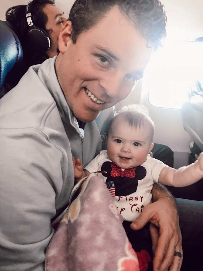 Tips for Traveling with Infant in airplane