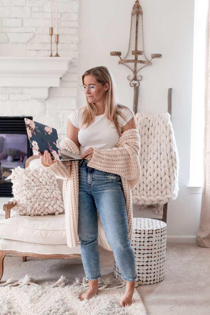 Mother's Day Gift Ideas- Eyebuy Direct - Hepburn Frames - Blue Light blocking glasses - Babbleboxx- Ashley Pletcher - Afternoon Espresso