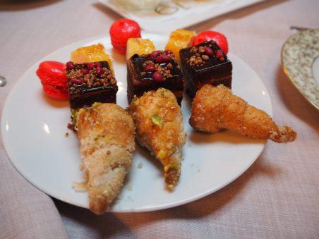 Mini-macarrons and Cannoli