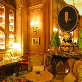 La table de l'écrivain/ Marcel Proust's table - Le Salon Proust