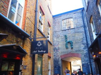 Mews of Mayfair - Alley & Courtyard