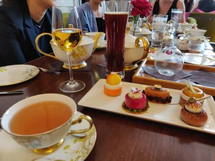 The Cakes, Pastries & Mignardises and paired Drinks