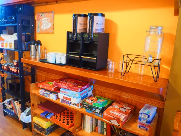 Salon de thé Gryphon d'Or tea room, Montreal