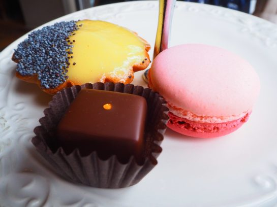 Tha Cakes & Sweets / Le Sucré - Afternoon Tea at Le Parloir tea room / Afternoon Tea au Salon de Thé Le Parloir
