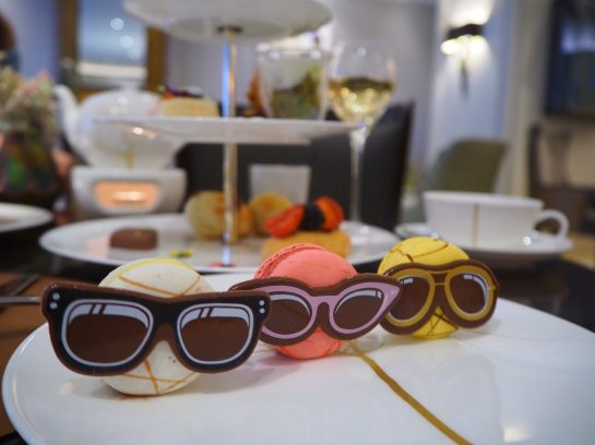 "Vanilla, Raspberry & Lemon ""funky"" Macarons with Chocolate sunglasses - Afternoon Tea / High Tea Mandarin Oriental Munich,"