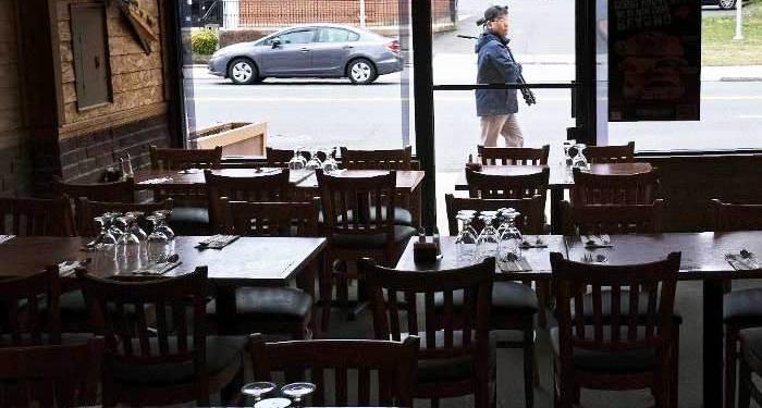 Τσεχία: Κλείνουν τα περισσότερα καταστήματα και εστιατόρια