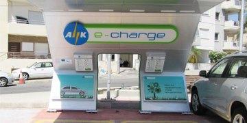 Σταθμός φόρτισης για ηλεκτρονικά οχήματα στη Μέσα Γειτονιά