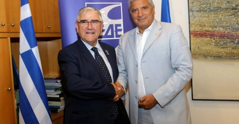 προσφυγικό στη συνάντηση της ΚΕΔΕ με τον Πρόεδρο Φρεκόν