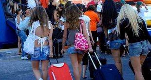 τουρίστες επισκέφτηκαν την Ελλάδα