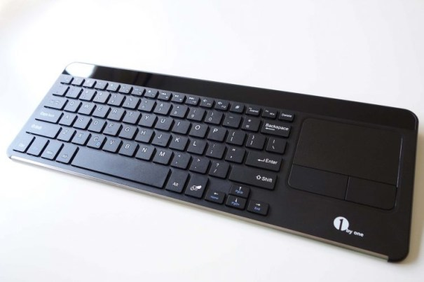 1byone-keyboard-angled-front
