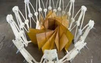 Il pannello solare, pieghevole, che si schiude come un fiore