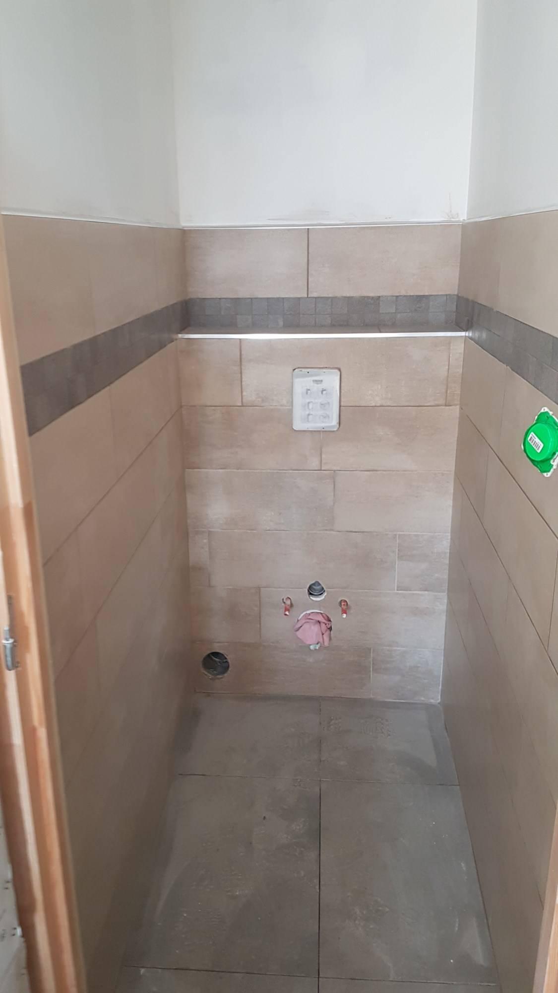 wc suspendu dans le var a toulon