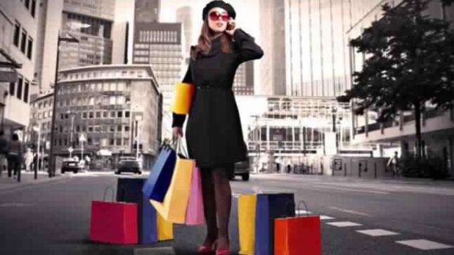 """""""أكادير تيفي"""" تقدم لك 8 حيل لتوفير أموالك أثناء التسوق"""