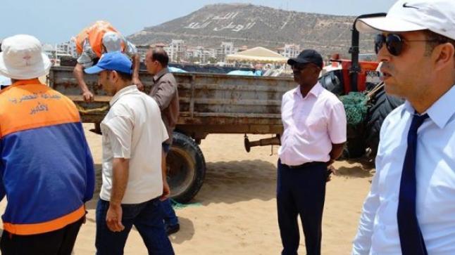 السلطات والمصالح الجماعية تدشن حملة لتحرير الملك العام بشواطئ أكادير