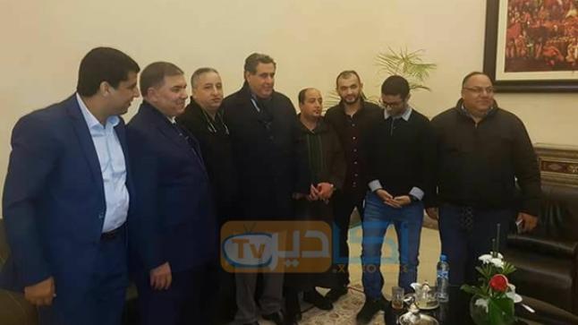 """أخنوش يعقد الصلح بين إخوانه """"المتصارعين"""" بأكادير"""