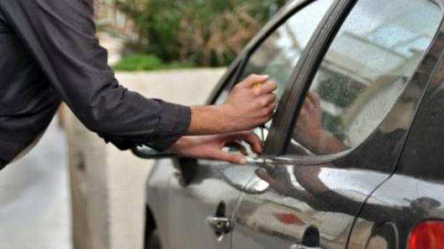 لصوص يسرقون سيارة أثناء صلاة الجمعة بأكادير