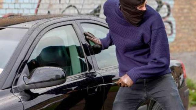 سيارة مستشار معارض بجماعة أكادير تتعرض للسرقة من طرف مجهولين