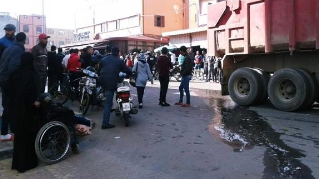 وفاة عاملة زراعية صدمتها شاحنة وسيارة باشتوكة في مشهد مروع