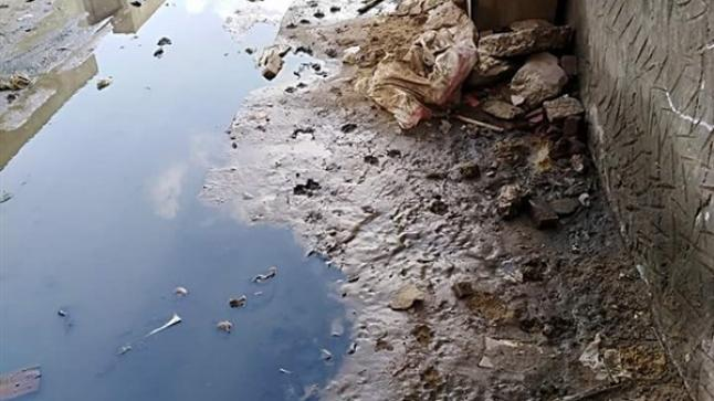 """مياه الصرف الصحي تهدد حياة ساكنة مركز""""أيت عبد الله"""" ضواحي تارودانت"""