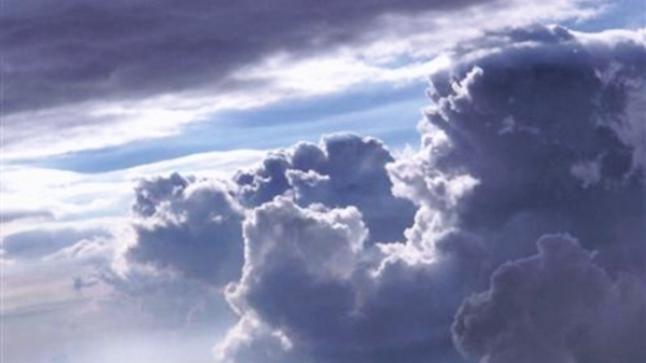 بعد موجة الحرارة.. سحب وزخات مطرية في طقس غد الأحد ببعض المناطق