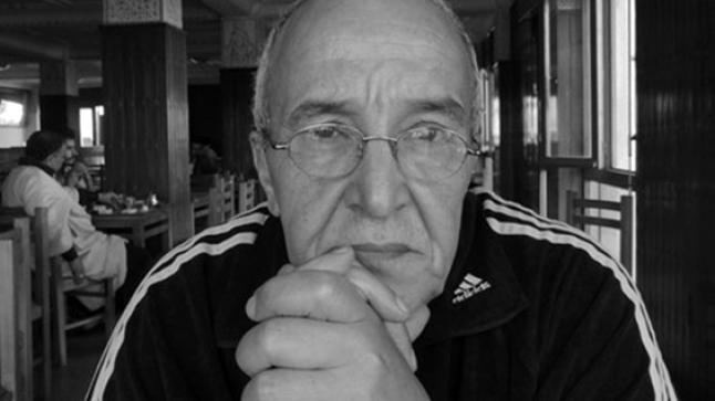 وفاة الفنان أحمد أزناك بعد صراع طويل مع المرض والإهمال