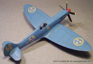 Airfix_Spitfire_MkXIX-2
