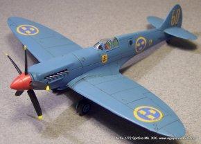 Airfix_Spitfire_MkXIX-4