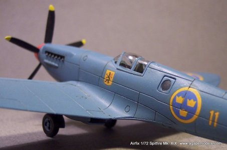 Airfix_Spitfire_MkXIX-6
