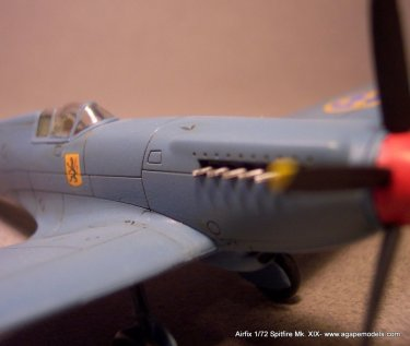 Airfix_Spitfire_MkXIX-8