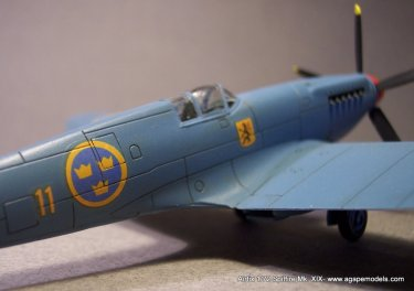 Airfix_Spitfire_MkXIX-9
