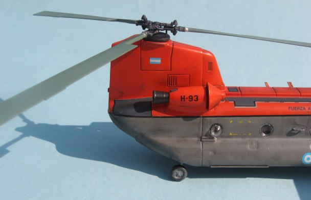 5 Ch-47 Chinook FAA H-93 rear engine starboard