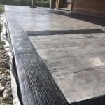 Béton imprimé bois cèdre zinc démoulant anthracite